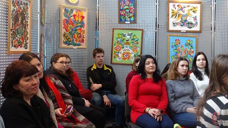 В обласному центрі відкрили виставку «Самчиківський розпис – диво Хмельниччини»