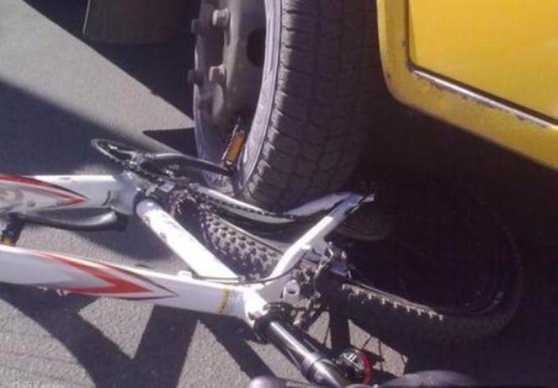 Велосипедиста забрали до лікарні