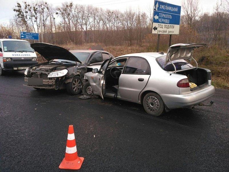 У Хмельницькому районі зіткнулося два автомобілі.