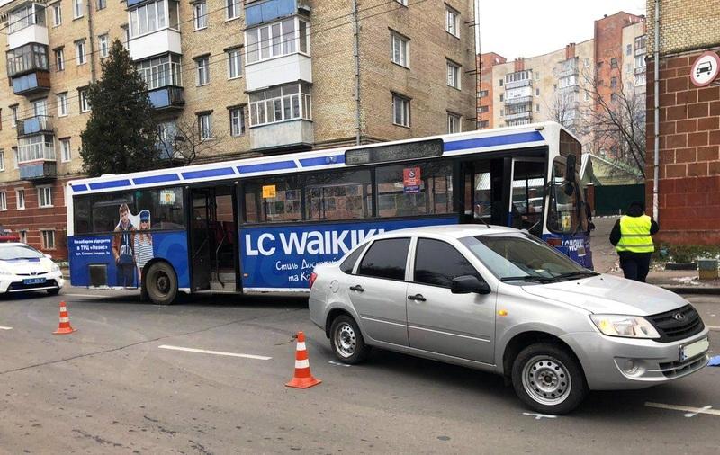 Аварія сталася по вулиці Кам'янецькій