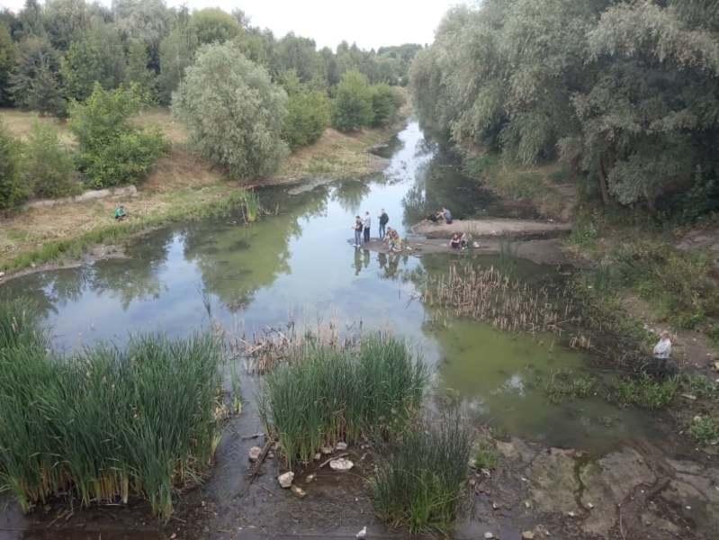 Розчистка річки допоможе покращити стан водойми, але рівень води й надалі залежатиме від природних умов