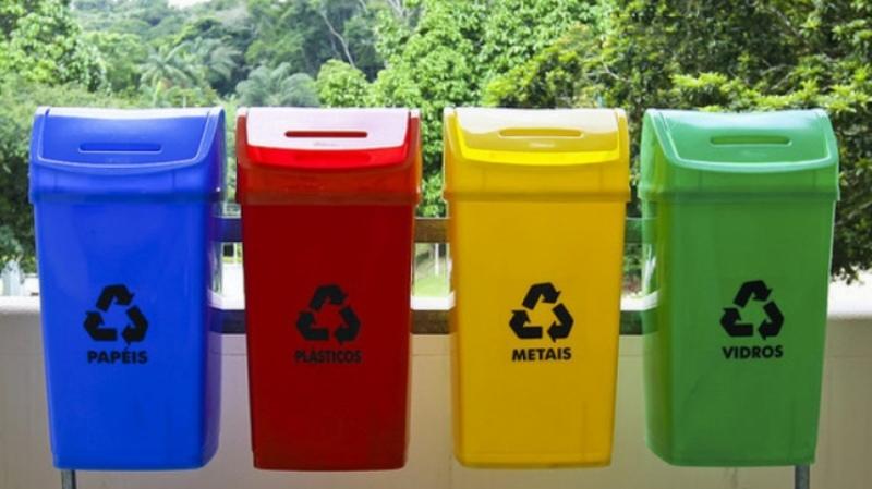 Хмлеьничани просять встановити контейнери для сортування сміття