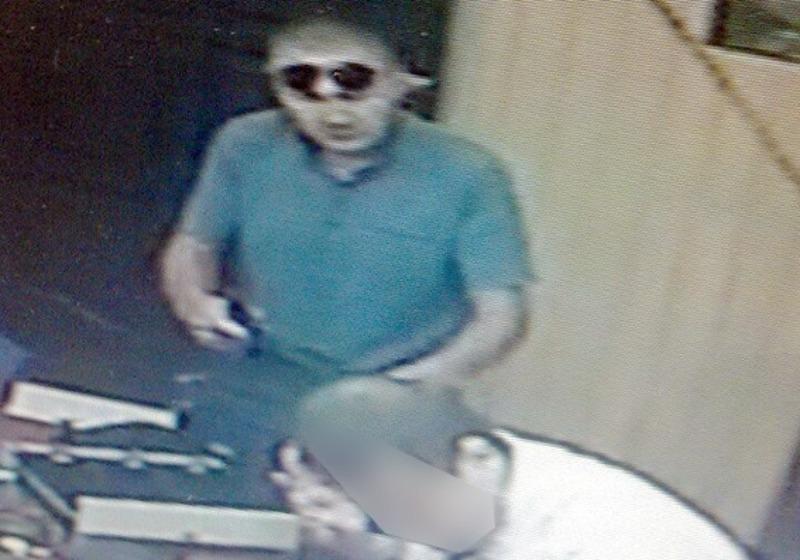 Фото з камери спостереження, що розміщене в приміщенні кредитної спілки