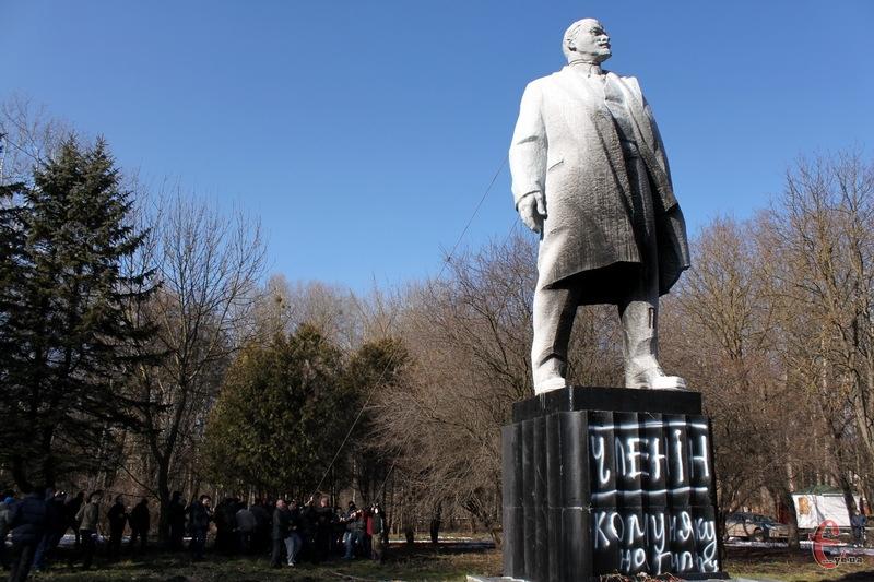 Пам'ятник Леніну з бронзи міг важити 22 тонни. Хто ж його вкрав - й досі не встановлено
