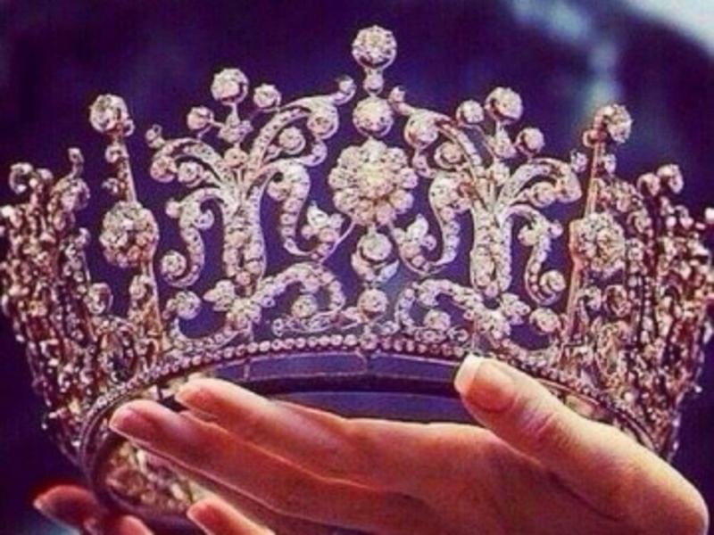 Хмельничанок кличуть поборотись за корону найкрасивішої