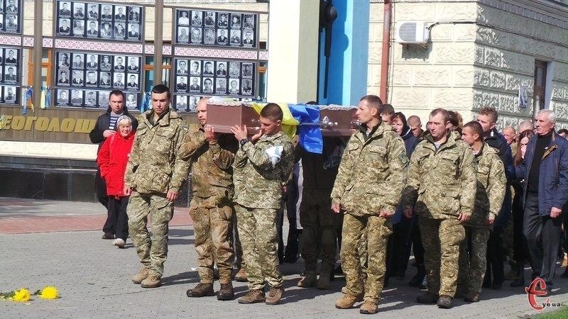 У Хмельницькому прощалися з молодим лейтенантом