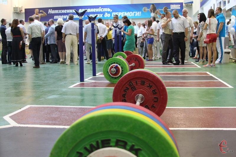 Сотні спортсменів зібралися в Хмельницькому, щоб поборотися за нагороди чемпіонату України з важкої алтетики