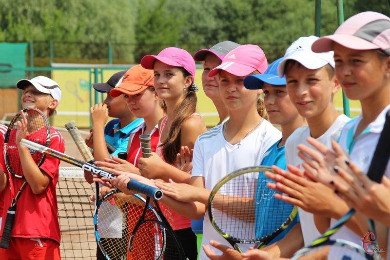 На тенісний турнір