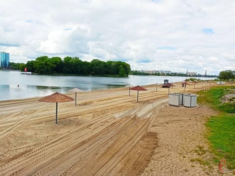 Місцем організованого літнього відпочинку в обласному центрі є пляж на лівому березі Південного Бугу