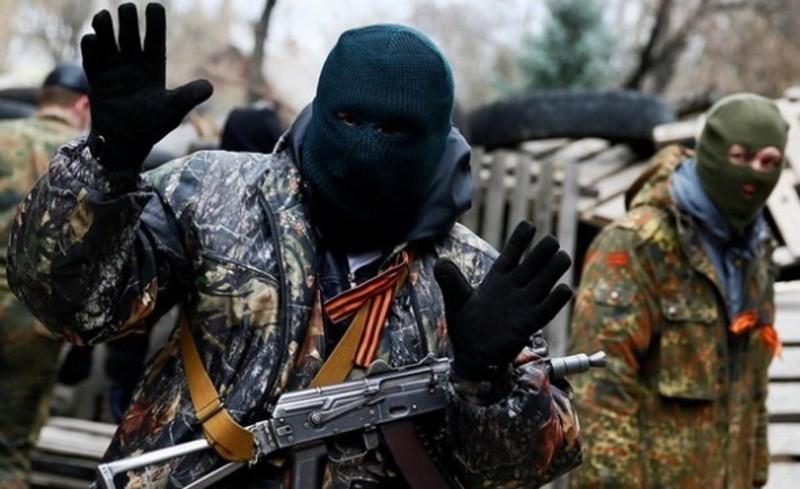 Учаснику терористичного угрупування загрожує покарання у вигляді  позбавлення волі на строк від  8 до 15 років.