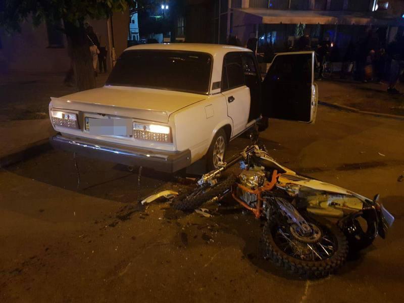 26-річного мотоцикліста забрала швидка
