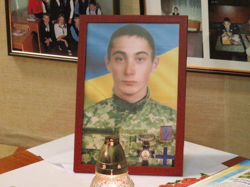 Назар поїхав на Схід воювати, а матері сказав, що поїхав до Києва шукати роботу