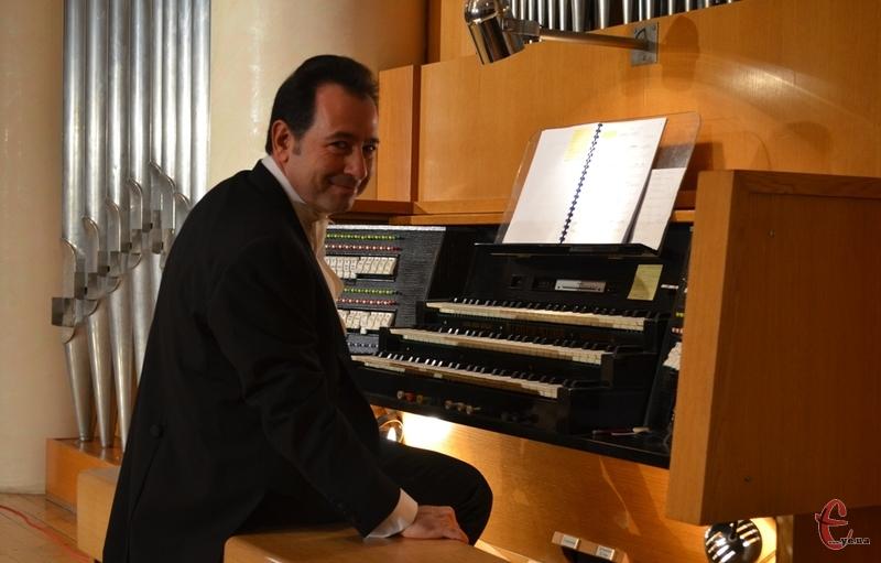 Італієць Сальваторе Пронесті зіграв у Хмельницькій обласній філармонії