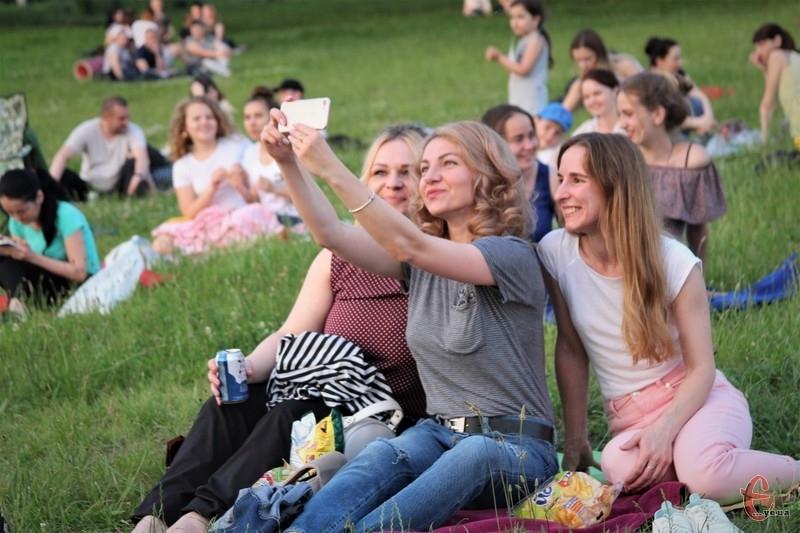Хмельничани прийшли подивитись український фільм