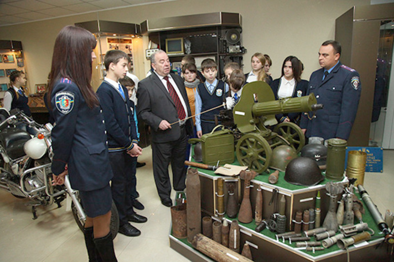 В музеї представлено від 2000 документів, фотографій, вогнепальної та холодної зброї, спеціальної техніки, засобів зв'язку, тощо