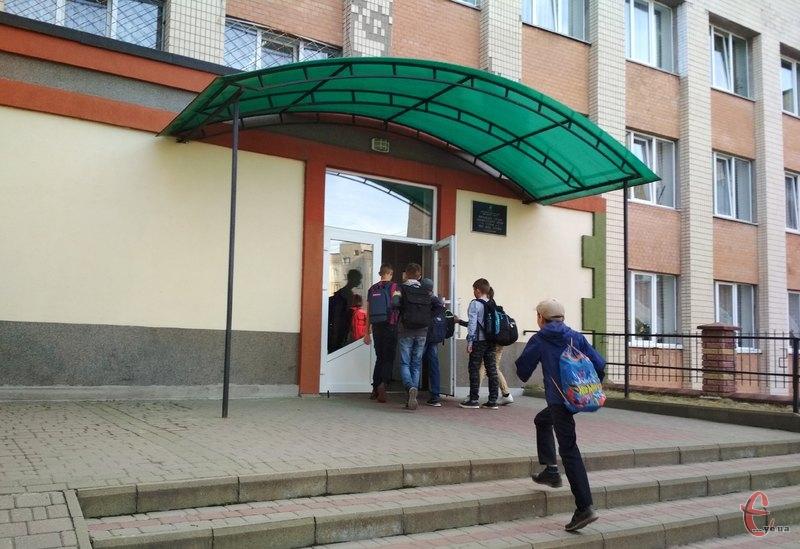 У школярів Хмельницького вимушені канікули закінчаться у вівторок, 11 лютого