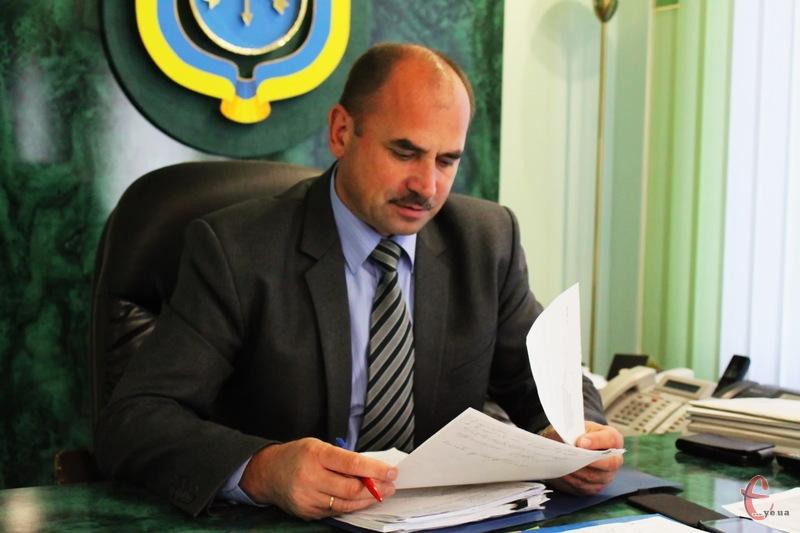 Василь Птащук, вийшовши з тривалої відпустки, повернувся на посаду начальника хмельницької міліції, але поки що виконує інші обов'язки - в обласному МВС