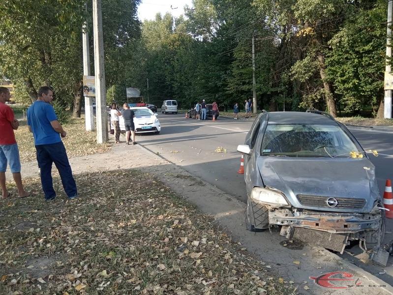 Аварія сталася на перехресті вулиць Проскурівського Підпілля та Вокзальної