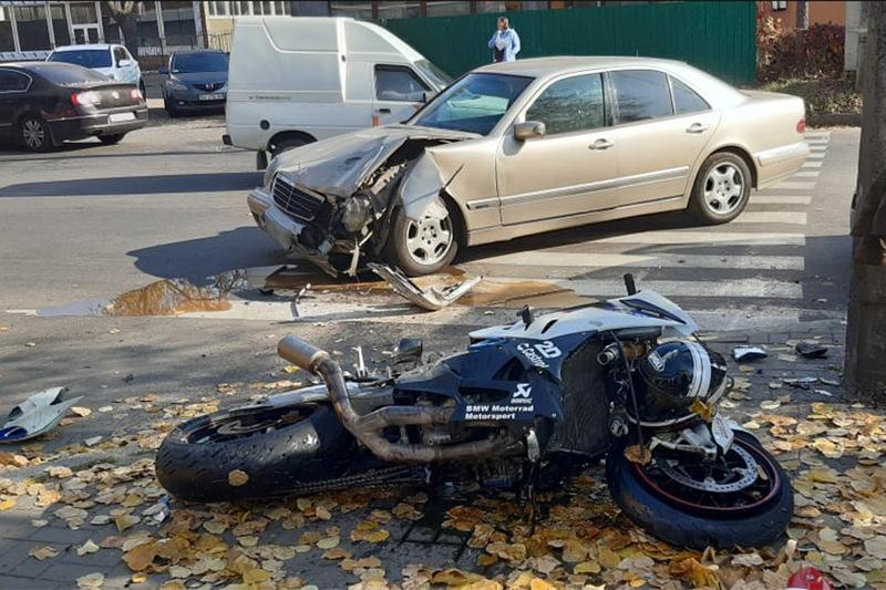 Мотоцикл в некерованому стані відкинуло на дівчинку-пішохода