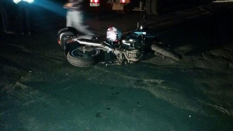 Водій мотоцикла звернувся за допомогою до медиків