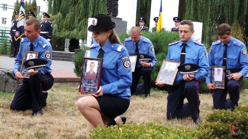 За роки Незалежності України під час виконання службових обов'язків загинуло 34 хмельницьких міліціонерів