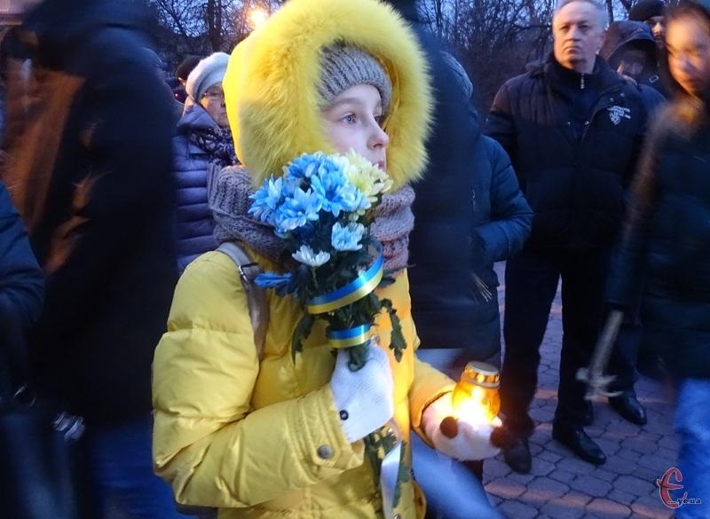 Вшанувати жертв Голодоморів прийшли також діти