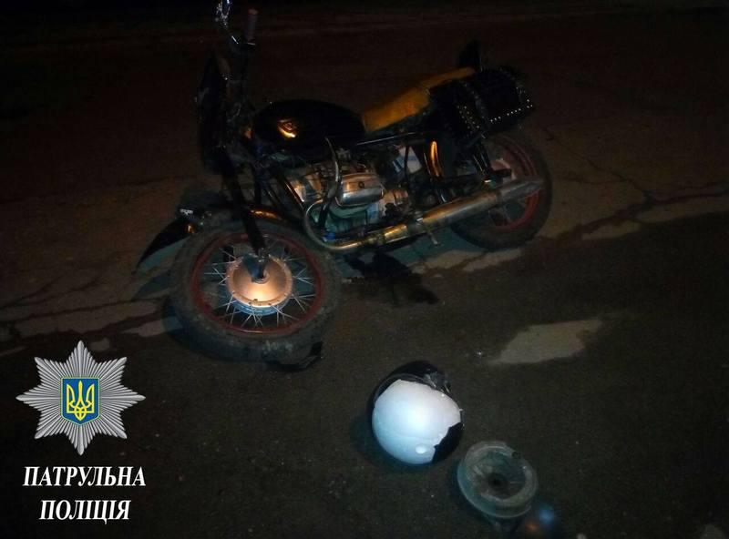 Аварій день у Хмельницькому завершився зіткненням мотоцикла з Мерседесом