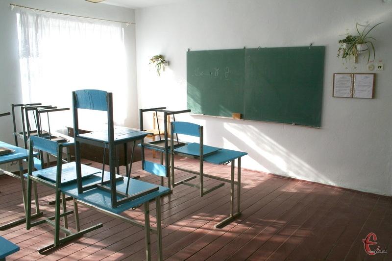 На Хмельниччині через заховрюваність на грип та ГРВІ продовжують вводити обмежувальні заходи в навчальних закладах