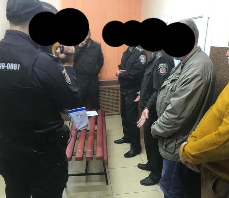 Працівник слідчого ізолятора намагався пронести в установу наркотики