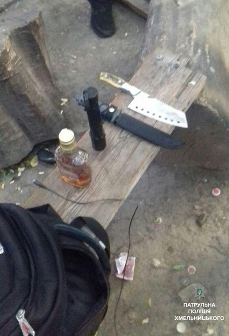 Патрульні виявили у чоловіка предмети, що схожі на зброю