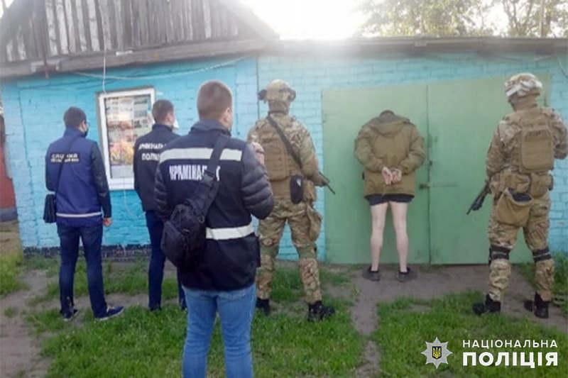 Обоє підозрюваних раніше вже притягувались до кримінальної відповідальності за вчинення тяжких і особливо тяжких злочинів. Фото: hm.npu.gov.ua