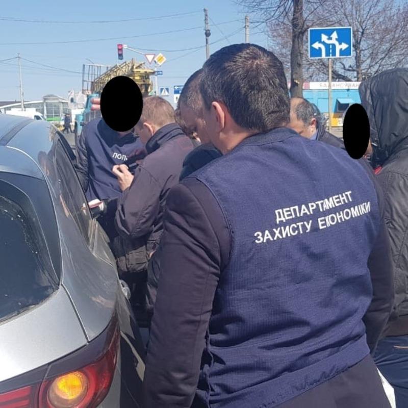 Посадовцю, якого затримали в Хмельницькому, згарожує чималий термін ув'язнення
