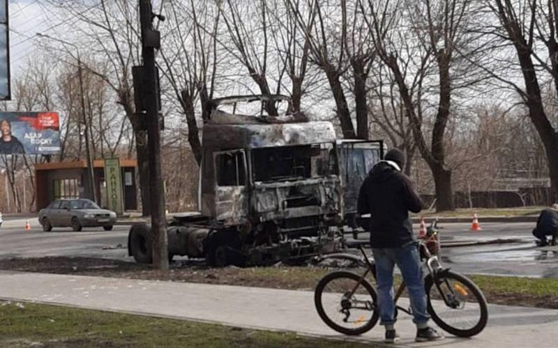 Вантажівка згоріла