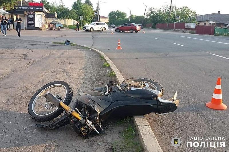 У Хмельницькому в ДТП травмувався 29-річний мотоцикліст