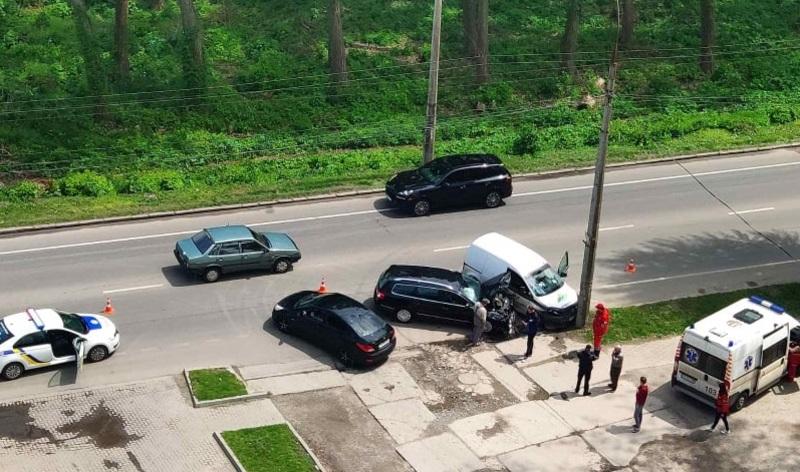 Аварія сталася на вулиці Старокостянтинівське шосе