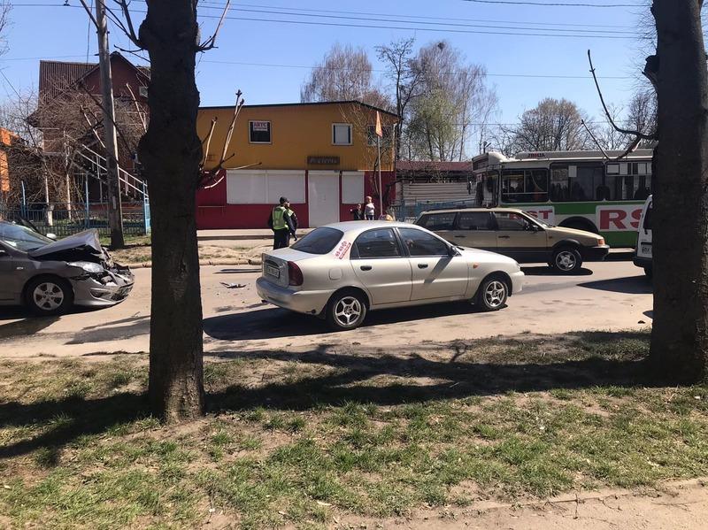 Аварія сталася на вулиці Козацькій