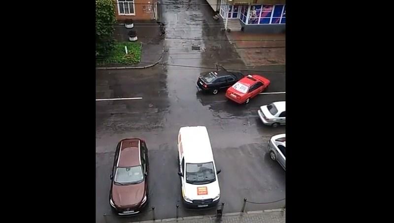 У момент ДТП шашки були на дахах автомобілів