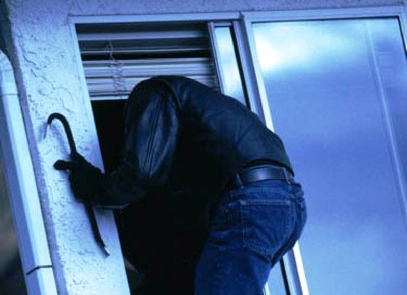 Злодій намагався пограбувати квартиру у мікрорайоні Озерна