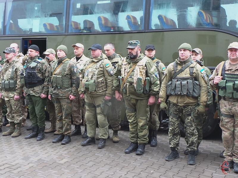 На Донеччині хмельницькі правоохоронці виконували завдання з охорони правопорядку та несли службу на блок-постах.