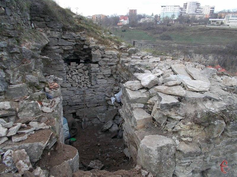 Ця башта раніше не досліджувалася і була своєрідною «білою плямою» серед оборонних пам'яток Кам'янця