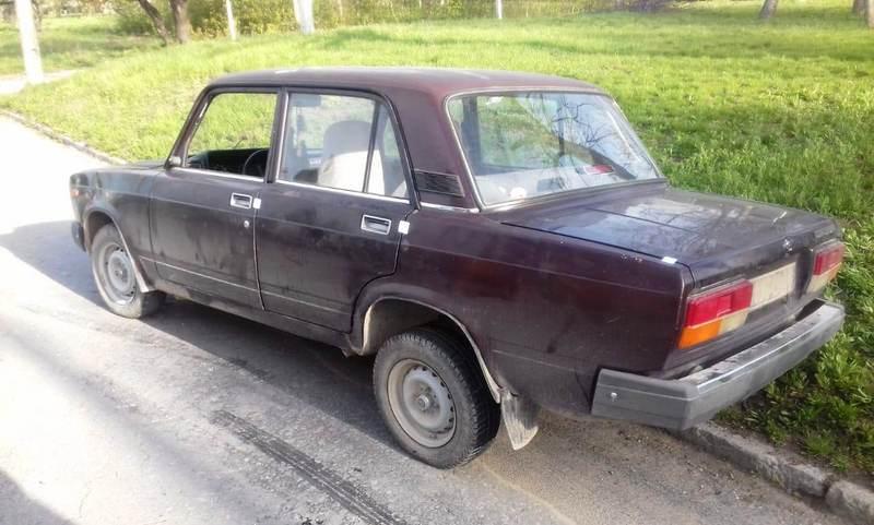Кам'янецькі поліцейські протягом години затримали викрадачів авто