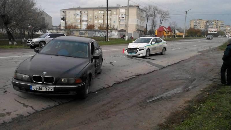 У Кам'янці в ДТП потрапила поліцейська машина