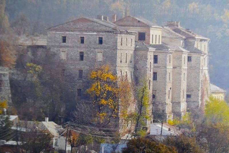 Казарми Старої фортеці чекають на інвестора