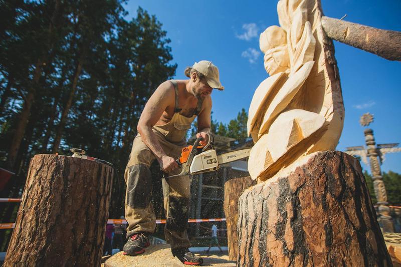 Кожна дерев'яна фігура стане окремим лотом аукціону