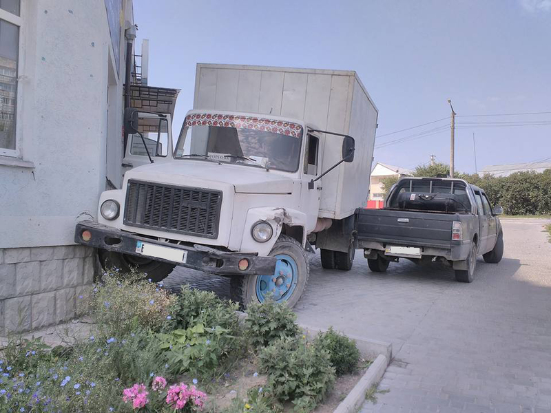 Чоловік, який сів за кермо вантажівки, навіть не має водійського посвідчення
