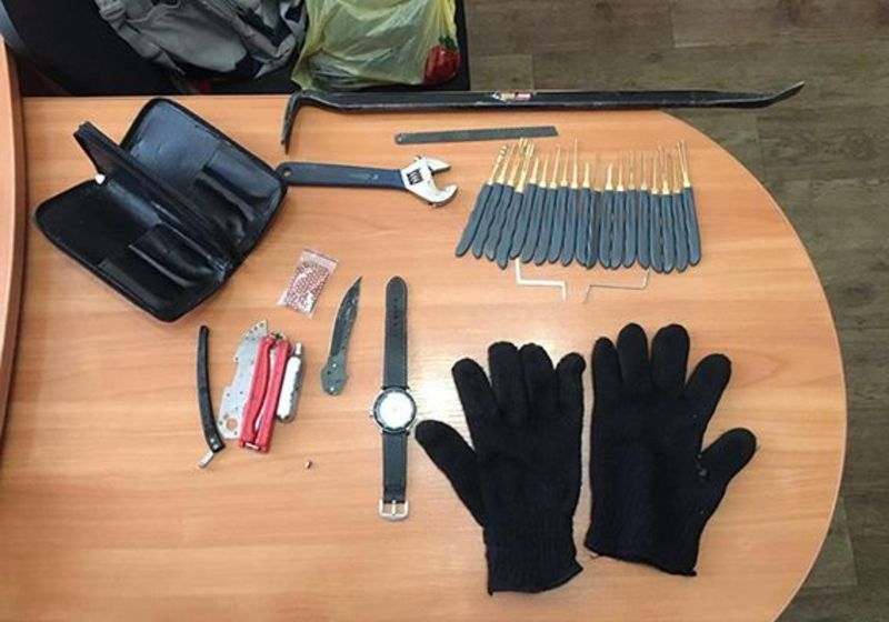 У Кам'янці-Подільському затримали 20-річного крадія, який перебував у розшуку