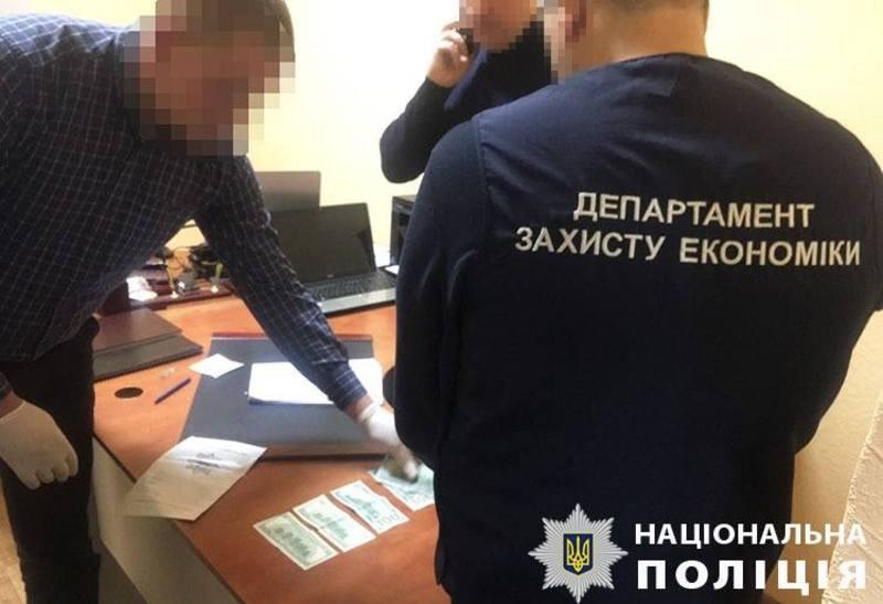 22 січня, під час спроби підкупу поліцейського депутата було викрито
