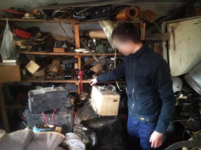 Крадієм виявився 20-річний молодий чоловік, який раніше жив по сусідству з потерпілою