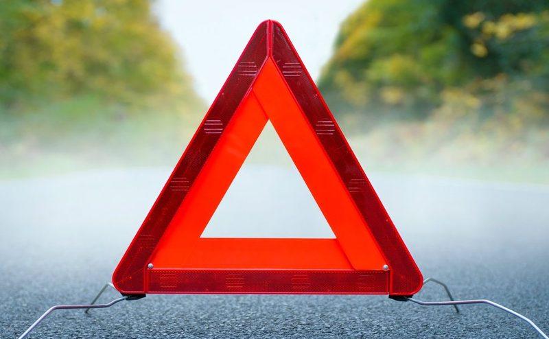 Поліцейські з'ясовують обставини ДТП, у якій травмувався 51-річний пішохід