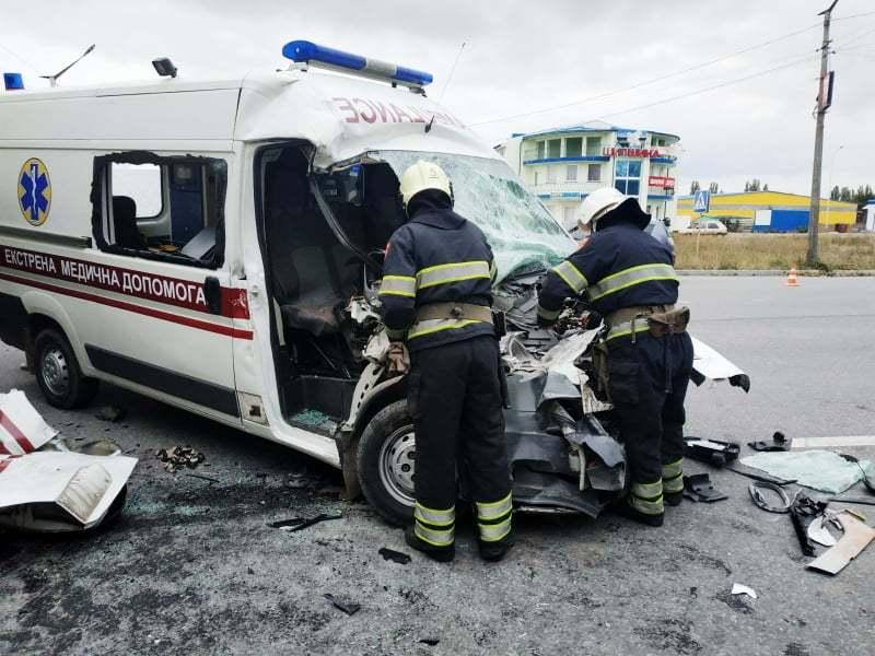 Під час аварії травмувалося троє людей